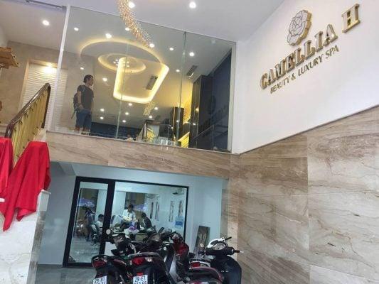 Giao hàng bộ sofa tân cổ điển cho Camellia H Beauty & Luxury Spa. Bà xã của ca sĩ Tuấn Hưng