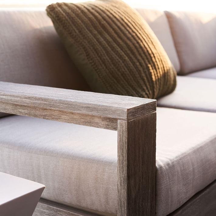Khung gỗ chắc chắn, đảm bảo sử dụng không cong vênh mối mọt, độ bền cao