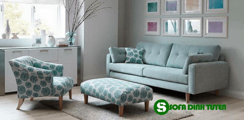 Kích thước nhỏ gọn tinh tế kết hợp với gam màu đẳng cấp mang tới bộ sofa đẹp và sang trọng
