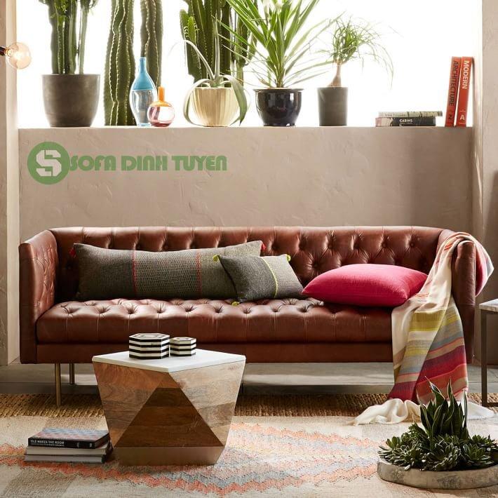 Ghế sofa da màu nâu cafe phong cách tân cổ điển.