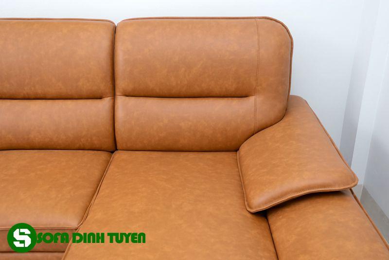 Sofa da công nghiệp bền đẹp và có độ bền khi sử dụng cao.