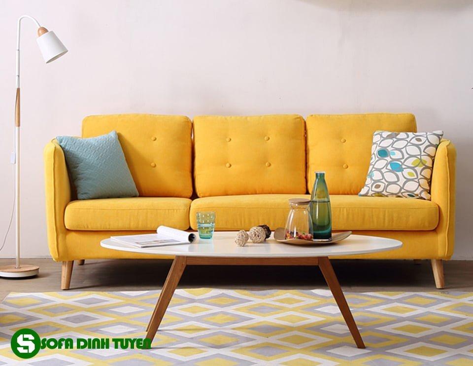 Ghế sofa văng kiểu dáng nhỏ nhắn đơn giản dễ bài trí.
