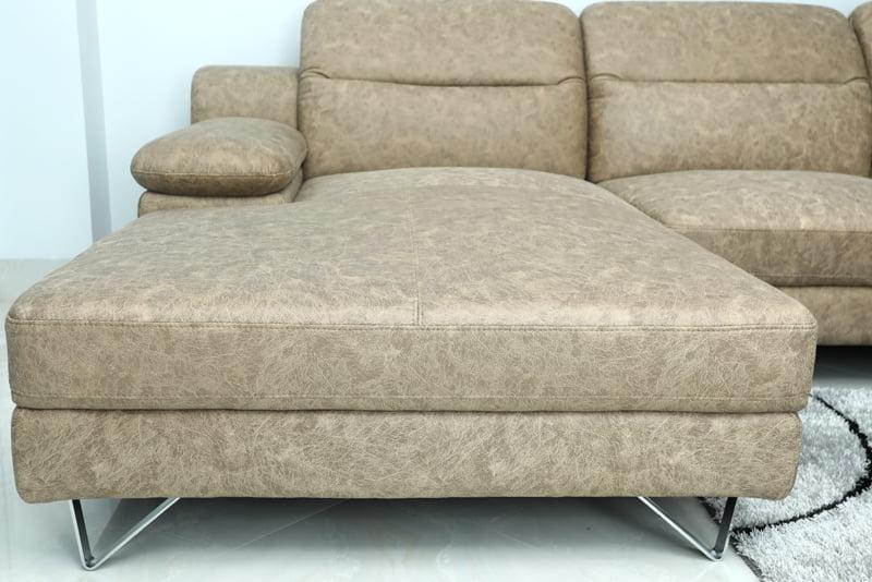 Chân ghế sofa inox dạng chữ V chắc chắn.