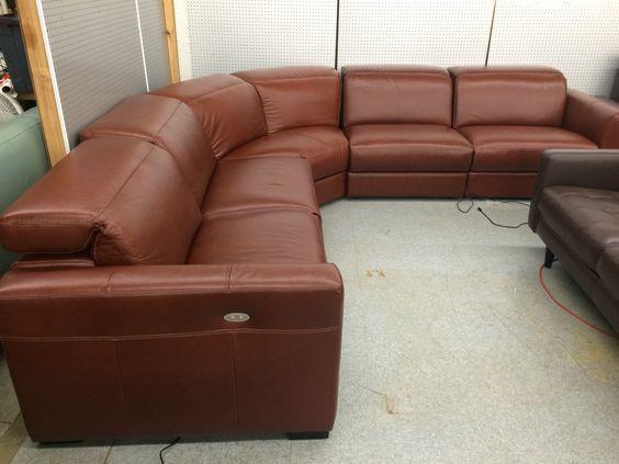 sofa da hình cánh cung cho phòng làm việc
