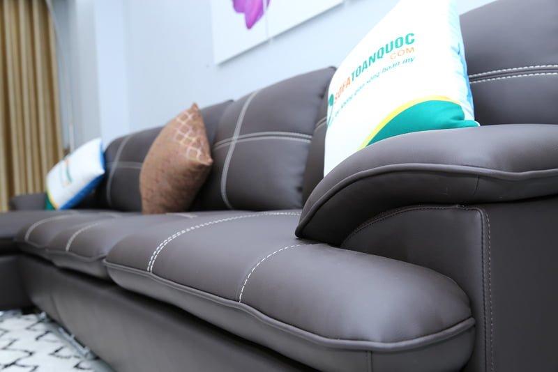Sofa màu nâu đen đẹp và đẳng cấp ai cũng yêu thích sử dụng.