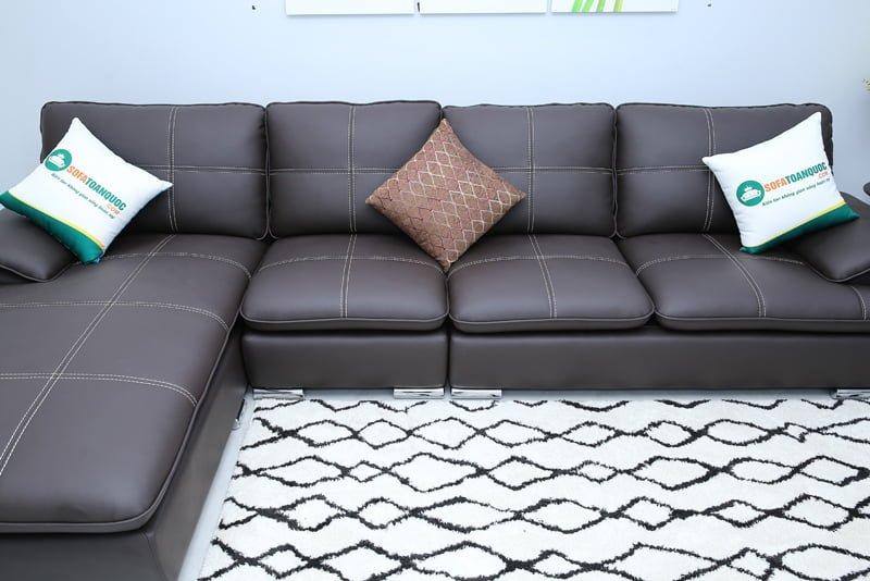 Chân ghế dạng ống tròn đẹp và sang. An toàn cho sàn gỗ và thảm trải sàn.
