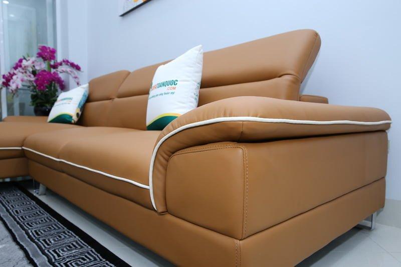 Chân ghế sofa sử dụng inox sáng bóng chắc chắn không bị gỉ sét.