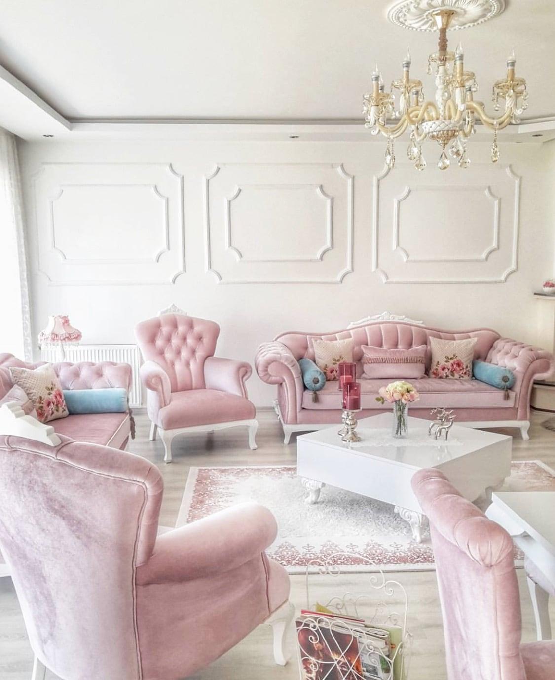 bộ ghế sofa phong cách hoàng gia màu sáng