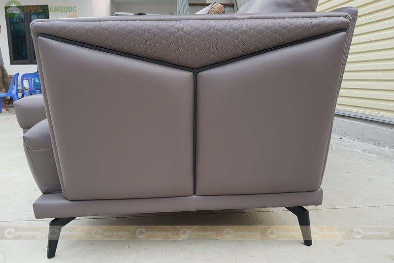 2 bên khung sofa được thiết kế đặc biệt giúp tạo điểm nhấn.