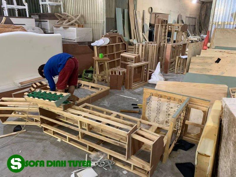 thợ làm khung sofa tại Sofa Đình Tuyến