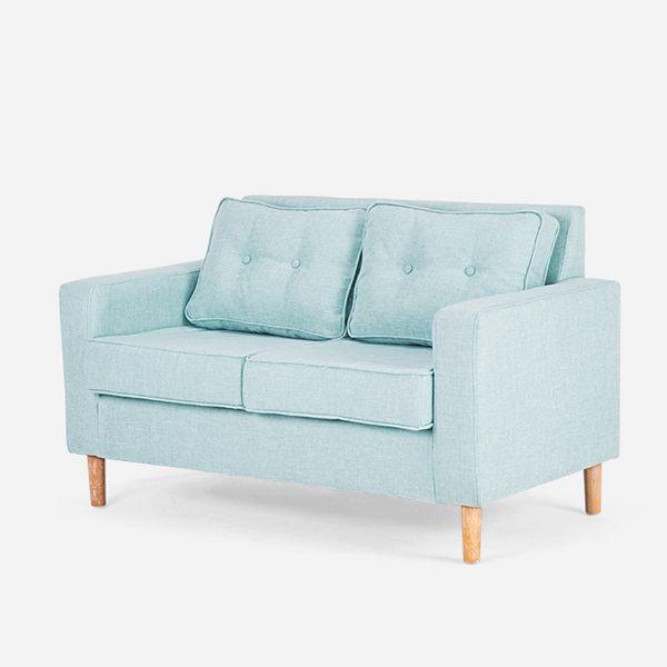 Ghế sofa 2 chỗ kích thước nhỏ nhắn cho việc vệ sinh, làm sạch và vận chuyển.