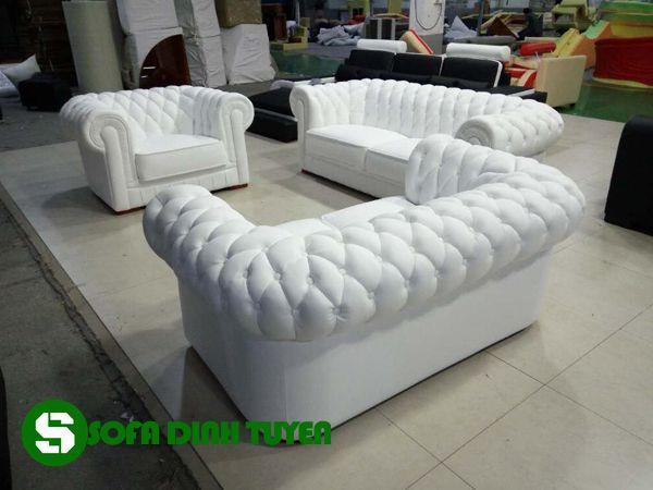 Chất liệu vải bọc sofa đẹp, thân thiện với người sử dụng.