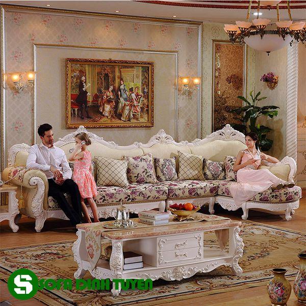 Kiểu ghế sofa hoàng gia dạng góc giúp tối ưu diện tích sử dụng.