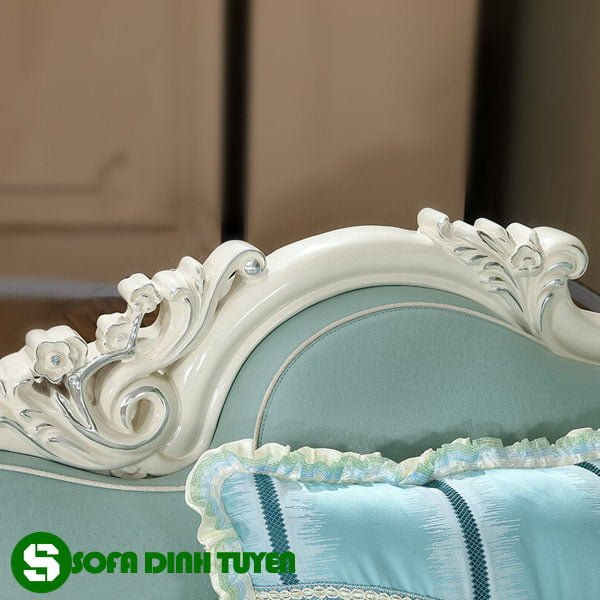 ghế sofa hoàng gia phong cách hoa văn