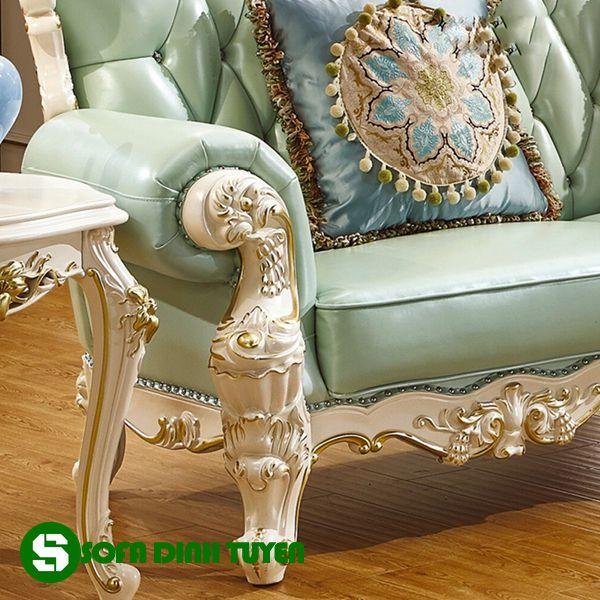 Chân ghế sofa chắc chắn được sơn thiếp vàng tăng giá trị thẩm mỹ