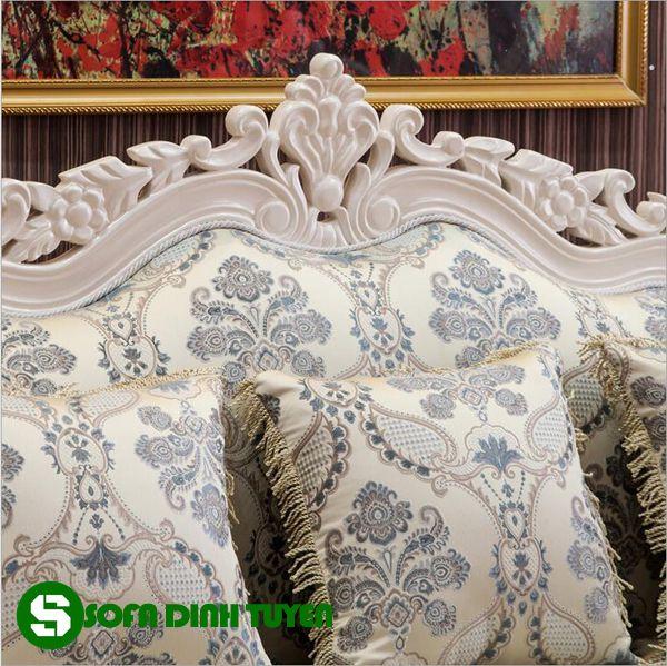 Gam màu trắng sáng trang nhã, dễ kết hợp nội thất của bộ ghế sofa gia đình.