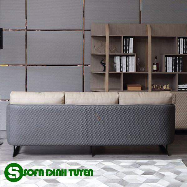 Chân ghế sofa vững chắc bằng kim loại đảm bảo tính thẩm mỹ cao.